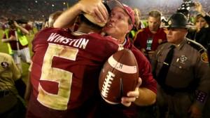 James Winston w objęciach swojego trenera - Jimbo Fishera - po wygranym meczu