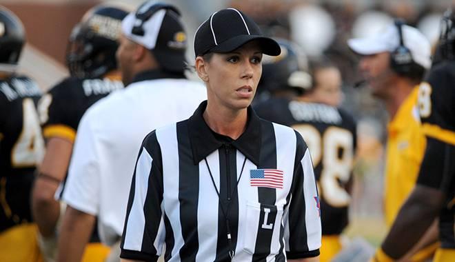 Sarah-Thomas-arbitro