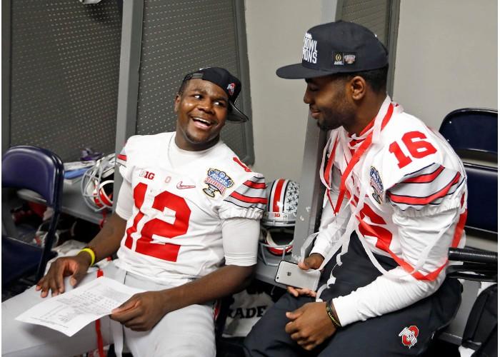 J.T. Barrett (z prawej) czy Cardale Jones? To pytanie będzie w Ohio State aktualne przez cały sezon