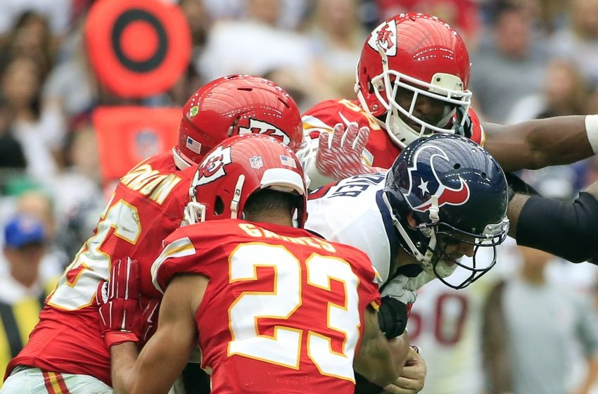 derrick-johnson-phillip-gaines-brian-hoyer-nfl-kansas-city-chiefs-houston-texans-850x560